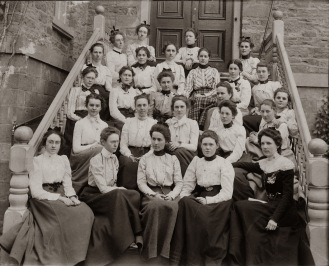 Women students 1900