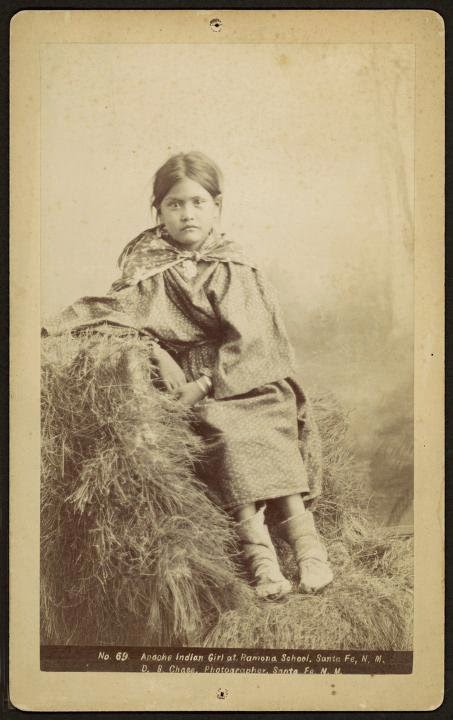 Apache-Indian-girl-New Mexico-school